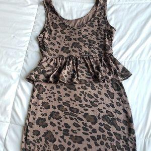 Dresses & Skirts - Tan/dark brown stretchy dress